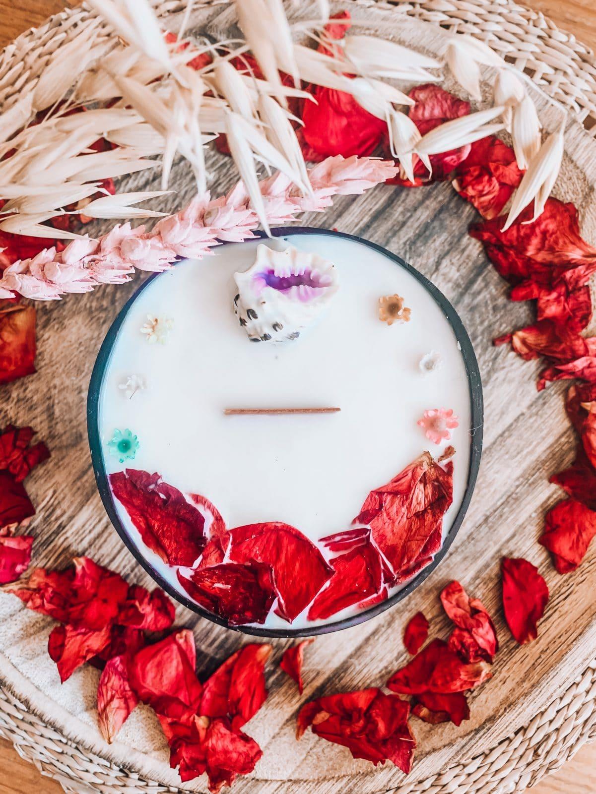bougie bijou vegetale surf coquillage fleur séchées coque noix de coco